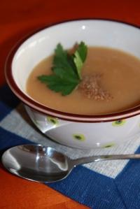 Daržovių sriuba su kriaušėmis
